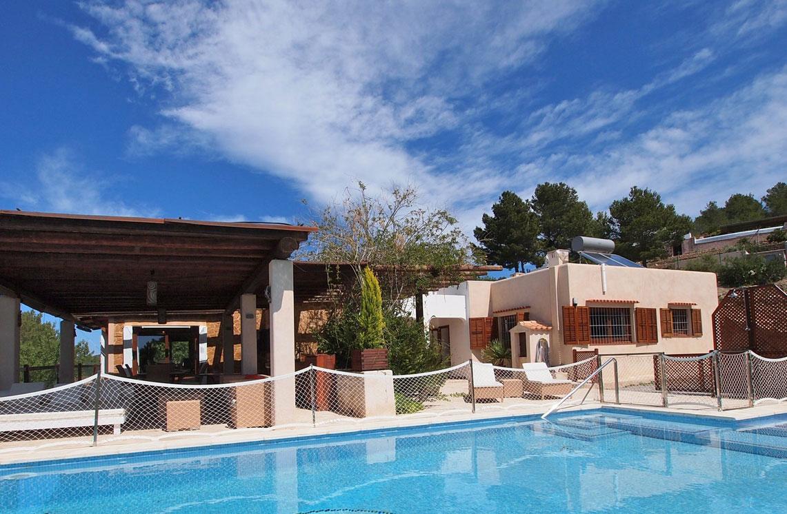 620-alquiler-villa-cala-dhort-ibiza-10