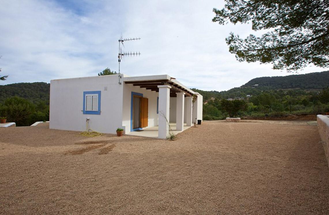 villa-309-cala-tarida-ibiza-22