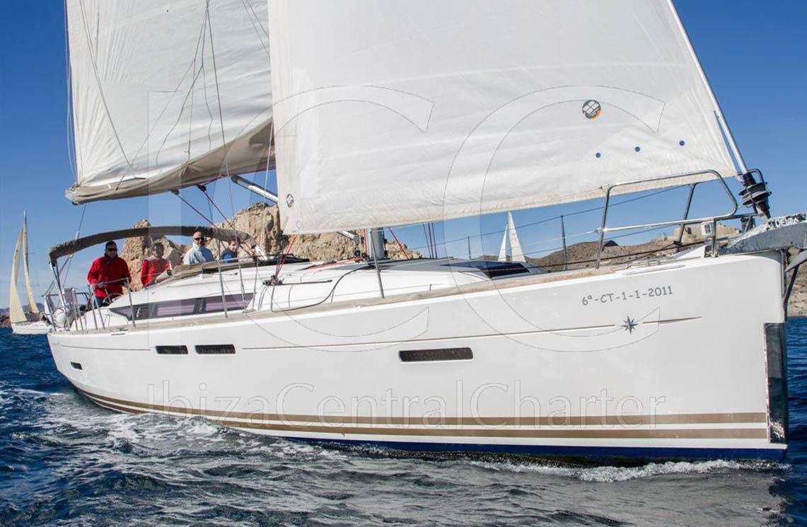 sun-odyssey-ibiza-cala-vadella-10