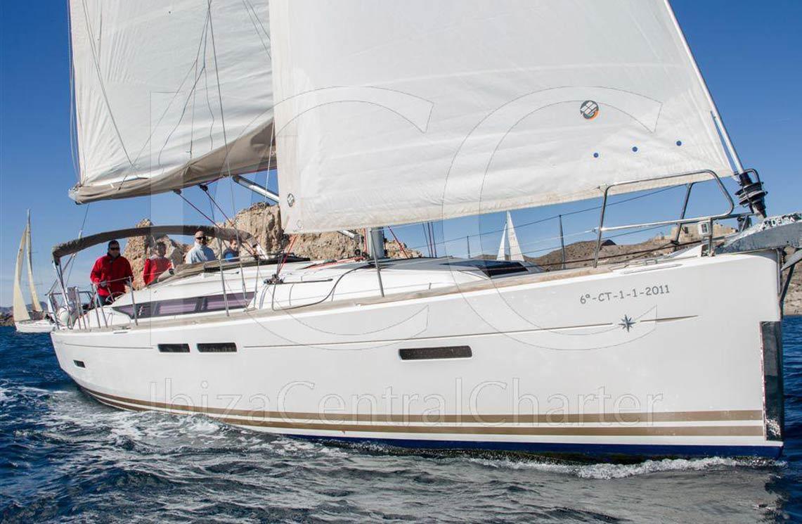 sun-odyssey-ibiza-cala-vadella-2